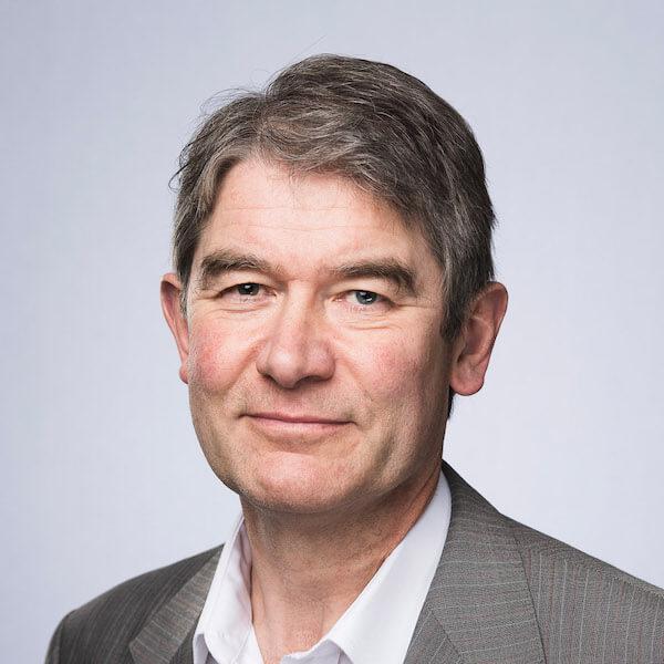 Dr Julian Entwistle